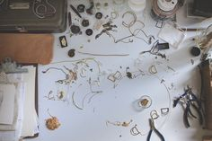 A day with Hannah Ferrara - another feather #goldsmith #artisan #craft