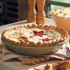 Red Raspberry Pie, so yummy with our berries from Larriland :)