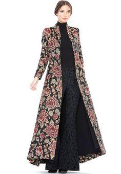Binkelam'ın Kardeşi: Gardırobunuza Renk Katacak Tarz Kıyafetler Binkelam's Brother: Style Outfits That Will Add Color to Your Wardrobe Batik Fashion, Abaya Fashion, Muslim Fashion, Modest Fashion, Fashion Dresses, Mode Batik, Indian Fashion Trends, Batik Dress, Mode Hijab