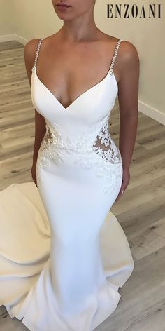 All brides dream about having the perfect wedding day, but for this they need the most perfect wedding gown, with the bridesmaid's dresses enhancing the wedding brides dress. Here are a number of tips on wedding dresses. Dream Wedding Dresses, Bridal Dresses, Wedding Gowns, Bridesmaid Dresses, Prom Dresses, Wedding Ceremony, Wedding Reception Dresses, Lace Wedding, Dream Dress