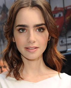 """268 Me gusta, 2 comentarios - ♡Lily Is A Queen♡ (@lily_collins_queen) en Instagram: """"I love and I miss her hair ✨ @lilyjcollins #lilycollins"""""""