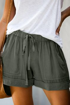 Women Sage Green Strive Pocketed Tencel Casual Shorts – ModeShe.com