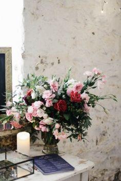 Natural bridal bouquets. @junebugweddings.  Follow us: @kwhbridal