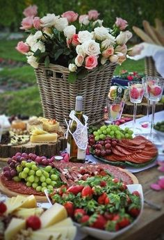 Al Fresco Picnic Garden Parties, Wine Parties, Picnic Parties, Outdoor Parties, Antipasto, From Farm To Table, Cheese Tasting, Cheese Party, Food Displays