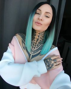 Female tattooed model Tessa Lizz | alternative model from USA