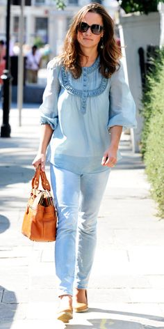 9/2/2011: Pippa is lovely in a blue peasant top (Kensington & Chelsea, London)