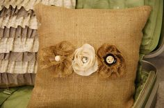 flower applique burlap pillow - anyone else think this looks like my style??!!