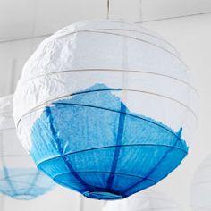 REGOLIT Hängeleuchtenschirm in Weiß mit blauer Wasserfarbe bemalt