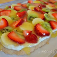 Fruit Pizza -- Repinning because I always forget what is in the cream cheese filling. (Cream cheese, powdered sugar, and vanilla.)