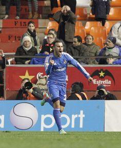 Jesé marca el gol del triunfo ante el Valencia.