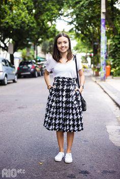 Isabela Dias mora aqui no Rio há três anos e é figurinista numa assessoria de imprensa.