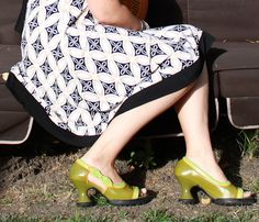 perfect skirt for such fabulous shoes!