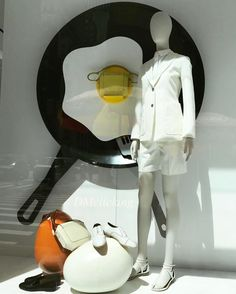 "HERMES, Madison Avenue, New York, ""Live Life the Sunny Side Up"", photo by DMclicking, pinned by Ton van der Veer"
