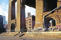 Unter der Manhattan Bridge in New York, 1992 Raigro/Timeline Images Lower East Side, Manhattan Bridge, Brooklyn Bridge, World Trade Center, Timeline Images, New York, Travel, New York City, Viajes