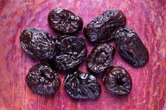 California Dried Plums: Bone Health Benefits - Just 2 Sisters Weight Loss Drinks, Weight Loss Smoothies, Bone Health, Health Diet, Fast Weight Loss, How To Lose Weight Fast, Fat Fast, Dried Plums, California Food