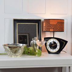 Vintage Kiki L'eclaireur clock lamp, orange and black. Retro Table Lamps, Vintage Lamps, Unique Vintage, Vintage Clocks, Unique Lighting, Vintage Lighting, Vintage Watches Uk, Ships Clock, Lamp Shades