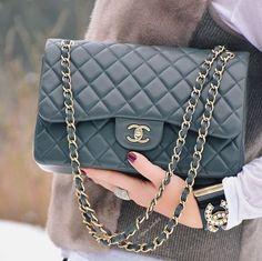 Black Chanel Handbag #chanelhandbags