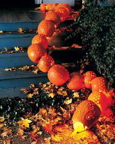 halloween Pumpkin Carving and Decorating Ideas Pumpkin Snake Assemble a row of pumpkins that mimic the twists of a slithering snake. How to Make a Pumpkin Snake Next: Owl Pumpkins Happy Halloween, Creepy Halloween, Holidays Halloween, Halloween Pumpkins, Halloween Crafts, Halloween Decorations, Halloween Ideas, Halloween Party, Halloween Stuff