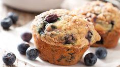 Op zoek naar een gezond tussendoortje en heb je tijd om zelf te bakken? Maak deze havermoutmuffins met bosbessen. Ze zijn heerlijk!