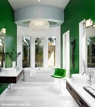 Vivid emerald green paint off set with neutrals. #coloroftheyear