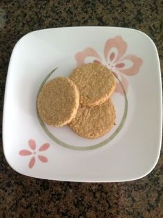 Cape Breton Oatcakes Recipe - Food.com ( I made it using 1 teaspoon salt and butter instead of shortening)