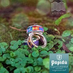 #JoyeriaPapidu te presenta la belleza del lago de Atitlán en anillos de plata, oro y oro rosa con diamantes para que luzcas naturalmente radiante. Piezas únicas que solo encuentras en nuestra joyería.