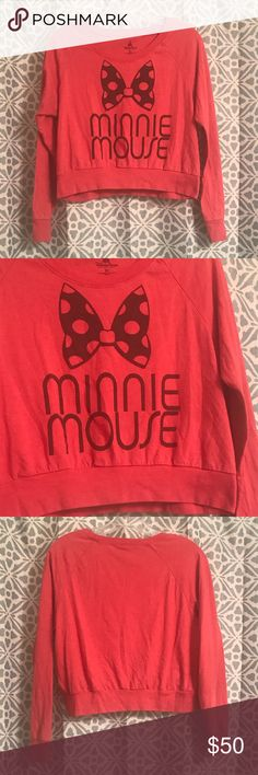 Authentic Minnie Mouse Cropped Sweatshirt Super cute! Cropped sweatshirt with Minney Mouse and bow detail. Came from the parks! No flaws. Size XL but runs small. Offers welcome 😊 Disney Tops Crop Tops