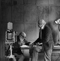 This timeless portrait of Ansel Adams and Yousuf Karsh was actually a one-off snapshot by then-young photographer Gary Faye, captured during a workshop in Yosemite in Famous Photographers, Landscape Photographers, Portrait Photographers, Portraits, Portrait Ideas, Black And White Landscape, Black N White Images, Ansel Adams Photography, Yousuf Karsh
