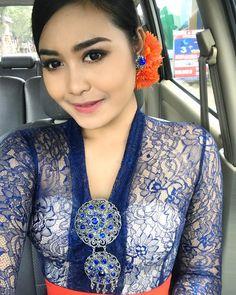 Kebaya Bali, Pendant Necklace, Simple, Beautiful, Instagram, Woman, Girls, Fashion, Toddler Girls