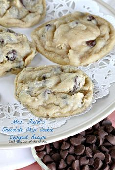 Field's Chocolate Chip Cookie Copycat Recipe – Can't Stay Out of the Kitchen Mrs Fields Chocolate Chip Cookies, Semi Sweet Chocolate Chips, Oatmeal Chocolate Chip Cookies, Chocolate Chip Recipes, Yummy Cookies, Cupcake Cookies, Cupcakes, Sugar Cookies, Cookie Recipes