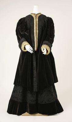 29-10-11 1894 suit
