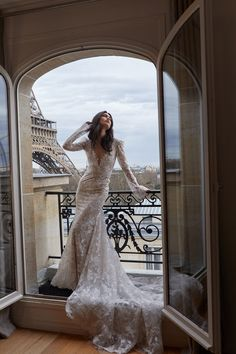 Victoria 'Vika' Bronova for Julie Vino Bridal Paris 2019 Asian Wedding Dress, Wedding Dresses 2018, Wedding Bridesmaid Dresses, Lace Wedding Dress, Designer Wedding Dresses, Bridal Dresses, Wedding Dress Accessories, Bridal Style, Dress Collection