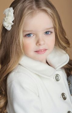 Read Personagens from the story Presa A Você ☆ Duologia Amor Perfeito - Livro 1 by MarciaCandido (Marcia Candido) with reads. Beautiful Little Girls, Cute Little Girls, Beautiful Children, Beautiful Eyes, Beautiful Babies, Cute Kids, Cute Babies, Precious Children, Girl Face