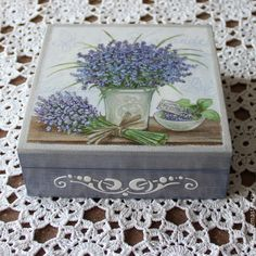 """Caixas artesanais.  Mestres Fair - handmade.  Comprar uma caixa por ninharias """"Lavender"""", caixa de decoupage.  Handmade.  Stash, amarelo"""