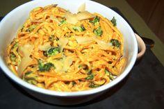 Katčina báječná kuchyně: Šafránové špagety s brokolicí a smetanou Spaghetti, Pasta, Ethnic Recipes, Food, Essen, Meals, Yemek, Noodle, Eten