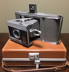 Polaroid Speedliner Camera // Vintage by VntqsFinds on Etsy Vintage Cameras, Polaroid, 1950s, Trending Outfits, Unique Jewelry, Handmade Gifts, Etsy, Kid Craft Gifts, Craft Gifts