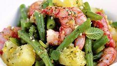 La ricetta dell'insalata di patate con fagiolini e gamberi