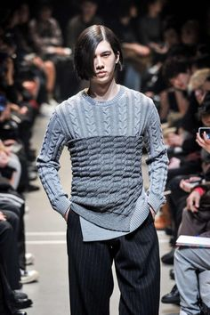 Sulvam F/W 2015 Menswear Tokyo Fashion Week Tokyo Fashion, High Fashion, Mens Fashion, Fall Winter 2015, Menswear Trends, Men Sweater, Runway, Men's Style, Sweaters