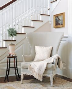 wingback-chair-in-entry-alcove