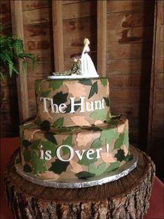 Camo wedding cake the hunt is over Camo Grooms Cake, Funny Grooms Cake, Camo Wedding Cakes, Funny Wedding Cakes, Country Wedding Cakes, Wedding Humor, Groom Cake, Groomsman Cake, Wedding Stuff