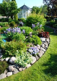 Great edging. Crisp cut and rocks. love it!