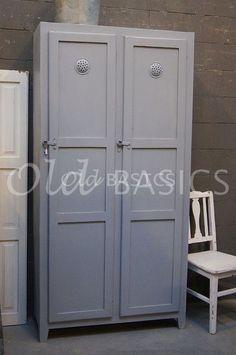 Brocante antieke kast in mintgroen kast woonkamer for Meidenkast tweedehands