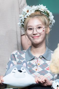 Find images and videos about kpop, twice and sana on We Heart It - the app to get lost in what you love. Nayeon, Kpop Girl Groups, Korean Girl Groups, Kpop Girls, Cute Girls, Cool Girl, Twice Fanart, Sana Minatozaki, Dahyun