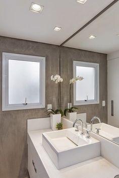 Banheiros e lavabos em cimento queimado Lindas ideias onde cimento queimado e concreto são as estrelas. Inspire-se!