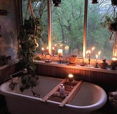 If I had a cabin in the woods (with running water😂) ...and a sunporch-it would become a bathing area.