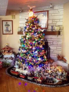 Merry Christmas! - universityofhyrule: My Christmas Tree this...