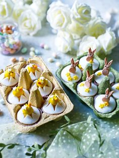 Easter cupcake decorations: How to make Easter bunny and Easter chick cupcakes Lamb Cupcakes, Easter Bunny Cupcakes, Easter Cake, Easter Food, Baking Cupcakes, Easter Eggs, Bunny Bread, Easter Appetizers, Easter Dinner
