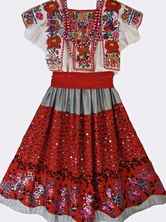 "temactli: "" xipeprojects: "" China Poblana Costume, ca. Mexican Costume, Mexican Outfit, Mexican Dresses, Folk Costume, 50s Dresses, Unique Dresses, Beautiful Dresses, Mexican Style, Costumes"