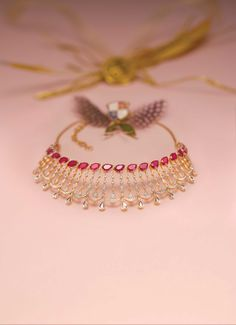 Gold Jewelry Design In India Refferal: 2470868358 India Jewelry, Jewelry Sets, Gold Jewelry, Gold Necklace, Jewelry Accessories, Temple Jewellery, Gold Bangles, Necklace Set, Jewelry Making