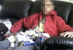 Idiot teen robs a Texaco then takes pictures of his plunder